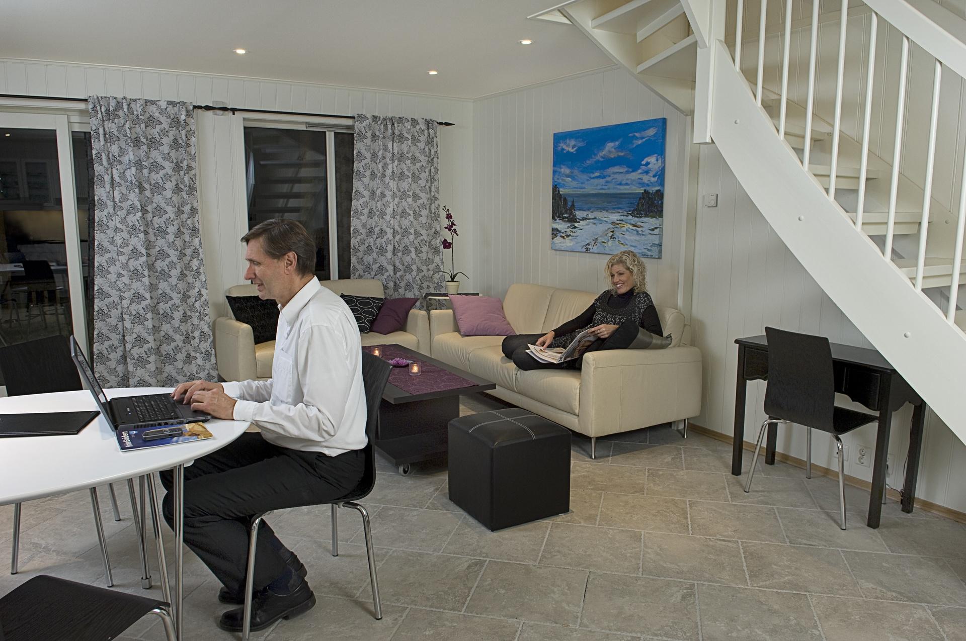 Stuen kan brukes som grupperom under konferanser